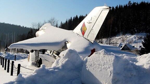 Raumkapsel MIG im Schnee in Morgenröthe Rautenkranz.