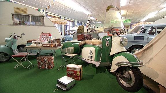 DDR-Fahrzeuge und Camping-Zubehör in Museum