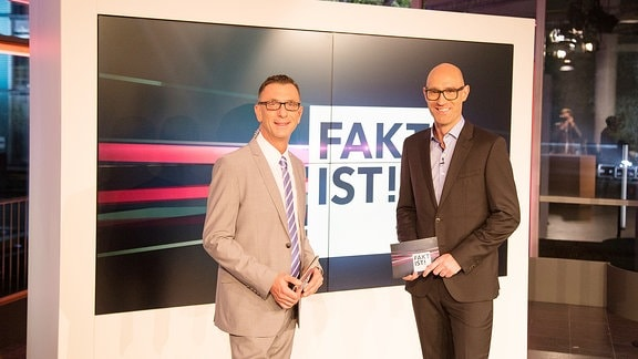 Die Moderatoren Andreas Menzel (li) und Lars Sänger (re)