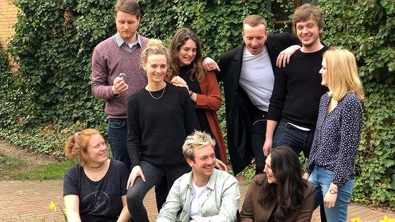 Gruppenfoto des Volontariatsjahrgangs 2019/21