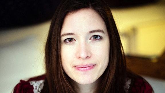 Dr. Elisa Meyer
