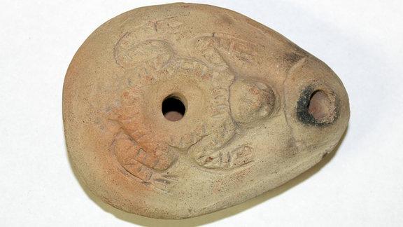 Lampe mit einem Frosch, Ägyptisches Museum Leipzig Sonderausstellung 2017