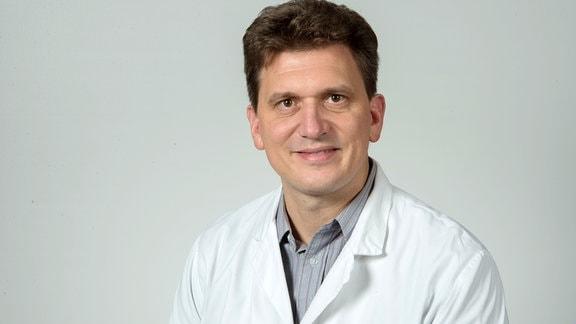 Professor Alexander Dalpke von der TU Dresden