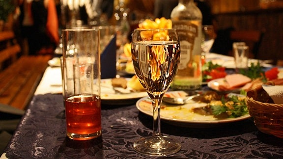 Alkohol stimmuliert Heißhunger im Gehirn