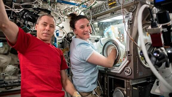 ISS-Mitarbeiter