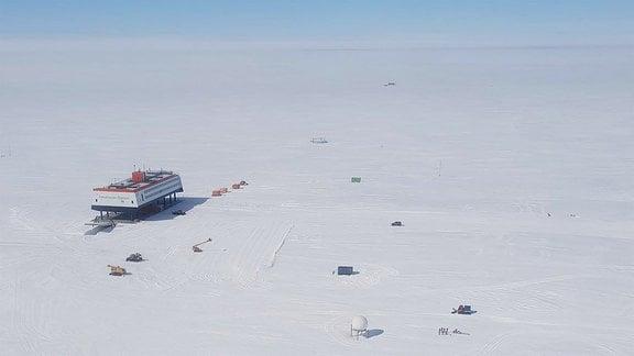 Blick auf Neumayer Antarktis Station