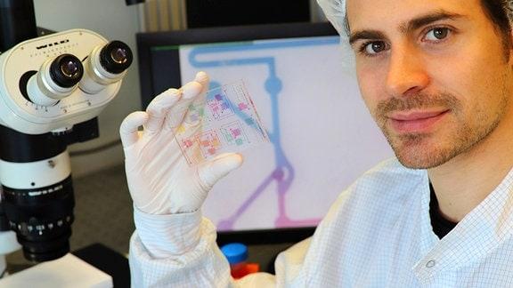Anthony Beck, Mit-Entwickler chemischer Schaltkreise für die molekulare Diagnose und Behandlung bisher unheilbarer Krankheiten