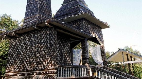 Wat Lan Kuad Tempel aus Bierflaschen, 1990