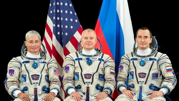 Die Astronauten der ISS Expedition 65: Mark Vande Hei, Oleg Novitskiy und Pyotr Dubrov (v.l.n.r.)