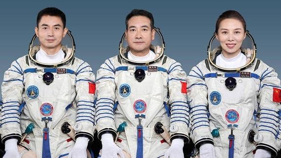 Raumfahrt-Crew der Shenzhou-13 Mission: Ye Guangfu, Zhai Zhigang und Wang Yaping