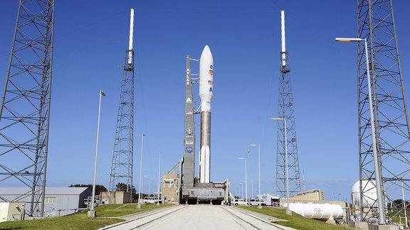 Atlas V Rakete auf Startrampe, 2011