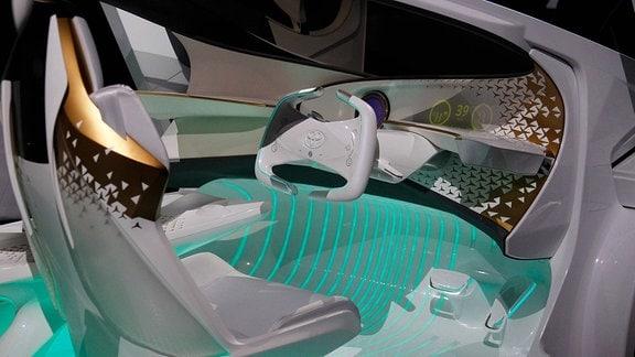 Futuristisches Auto-Cockpit