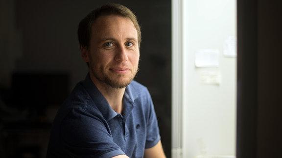 Prof. Tony Gutschner