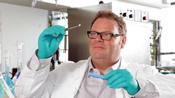 Joachim Storsberg, Abteilungsleiter für Biomaterialien am Fraunhofer Institut für angewandte Polymerforschung in Potsdam