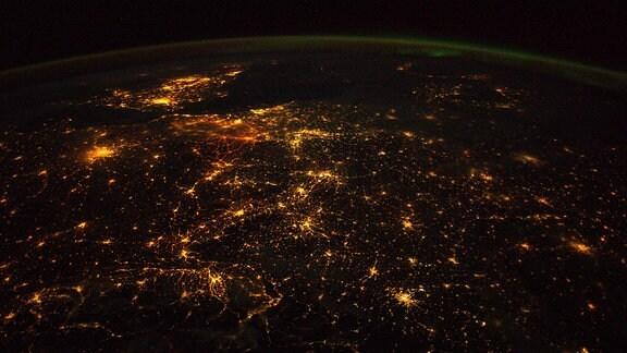 Aufnahme von Europa bei Nacht von ESA-Astronaut Alexander Gerst aus der Internationalen Raumstation ISS.