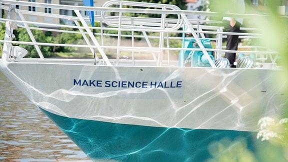 """Bug eine Schiffes mit Aufschrift """"Make Science Halle"""""""