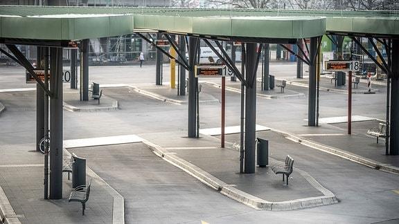 Der Zentrale Busbahnhof in Berlin ist leer