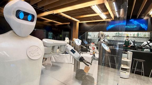 Roboter als Barkeeper