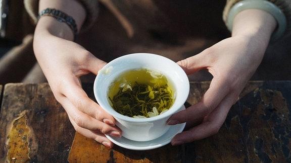 Grüner Tee gegen Corona