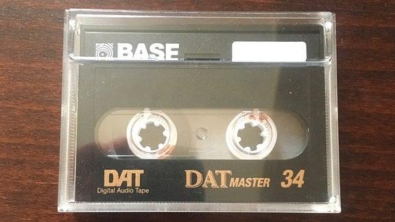 Eine DAT-Kassette.