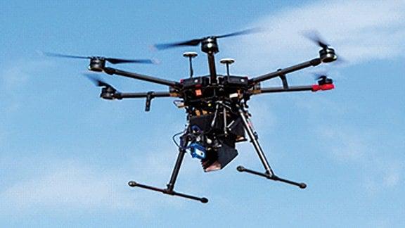 Mit dieser Drohne haben die Forscher die sterilisierten Mücken verteilt.