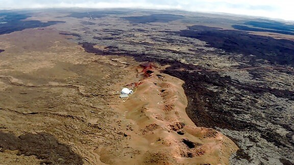 Drohnenbild der Mars-Basis auf dem Mauna Loa