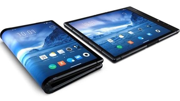 Produktfoto des faltbaren Smartphones von Royole in den Zuständen geklappt und ausgeklappt.