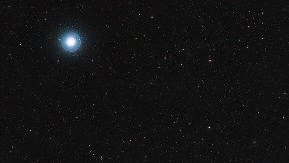 Himmelsregion um den roten Zwergstern Ross 128