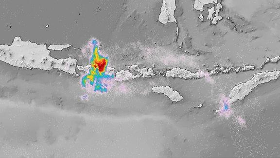 Vulkanausbruch über Bali