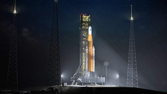 Eine Rakete am Weltraumbahnhof