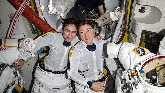 Christina Koch & Jessica Meir