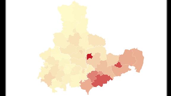 Karte von Mitteldeutschland, die durch Einfärbung zeigt, wie viele Grippefälle es in den Landkreisen jeweils gibt.
