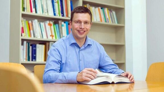 Professor Hannes Zacher