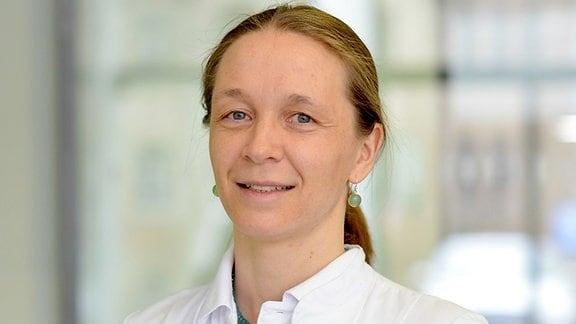 Dr. Hanni Bartels