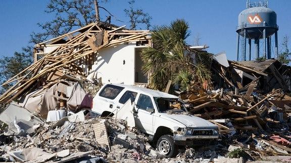 Zerstörungen nach Hurrikan Katrina