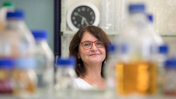 Porträtaufnahme von Gabriele Berg, Leiterin des Instituts für Umweltbiotechnologie der TU Graz