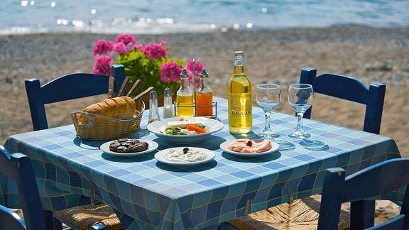 Gedeckter Tisch in Katpo Zakros Kreta