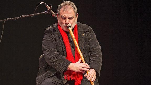 Kudsi Ergüner spielt Ney Flöte