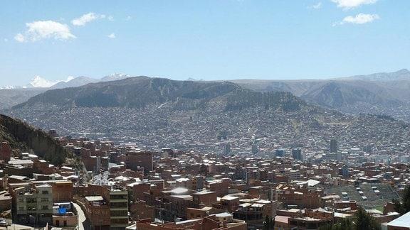 Blick auf Millionenstadt La Paz