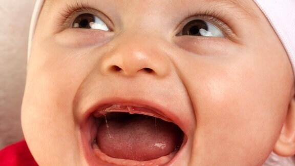 Ein lachendes Baby
