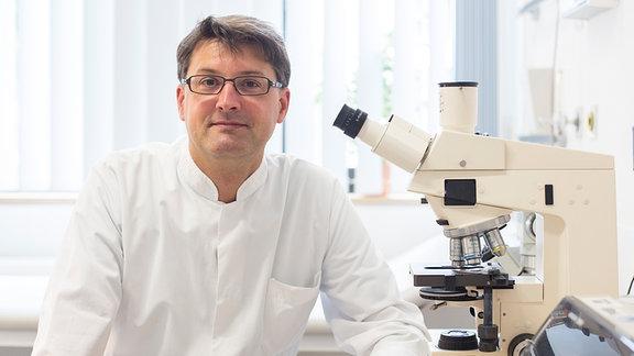 Dr. Christoph Lübbert, Gastroenterologe an der Uniklinik Leipzig