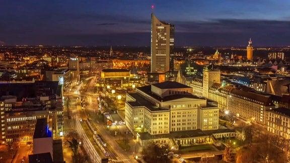 Die Oper Leipzig bei Nacht