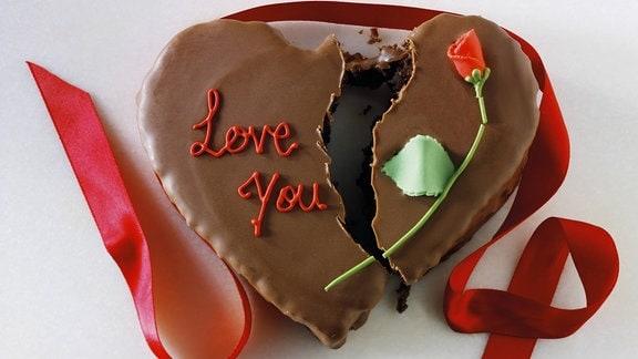 Liebeskummer-Kuchen - zerbrochenes Herz