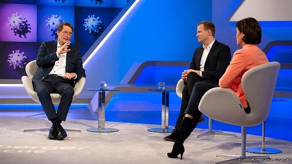 Sandra Maischberger (r.): Karl Lauterbach (SPD, Politiker und Epidemiologe, l.) und Hendrick Streeck (Virologe).