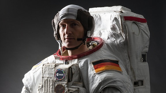 Matthias Maurer in seinem Raumanzug
