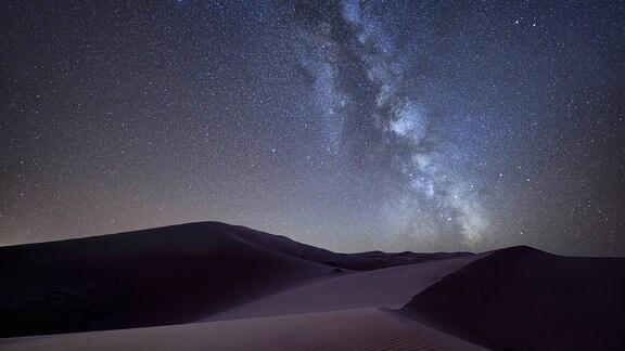 Milchstraße über Sanddünen