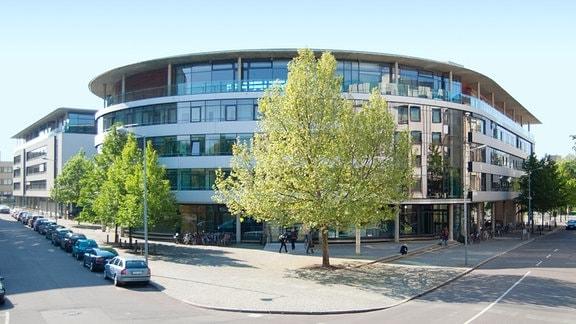 Gebäudeansicht des Max-Planck-Instituts für Kognitions- und Neurowissenschaften in Leipzig