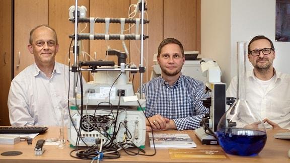v.l. Prof. Dr. Malte Kornhuber, Dr. Holger Cynis, Prof. Martin Staege