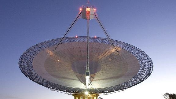 Parkes-Teleskop in Australien, das Teil der Commonwealth Scientific and Industrial Research Organization ist.