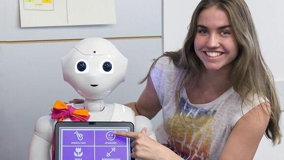 Der humanoide Roboter Robbie vom Typ Pepper